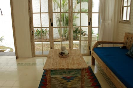 Beachside apartment in Seminyak! - Kuta - Apartment