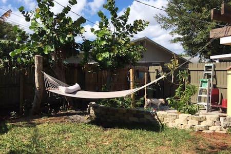 Private Beach Getaway House in Boyton Beach FL - Boynton Beach - House