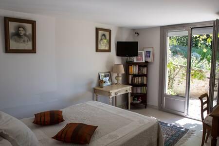 Chambre dans Mas dauphinois, vue panoramique Alpes - Le Grand-Lemps - House