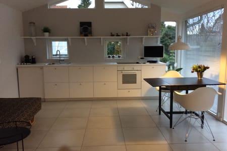 Lækker nybygget 43 m2 lejlighed . - Hornbæk - Apartment