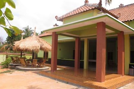 Homestay Amanah Safari Karimunjawa - Haus
