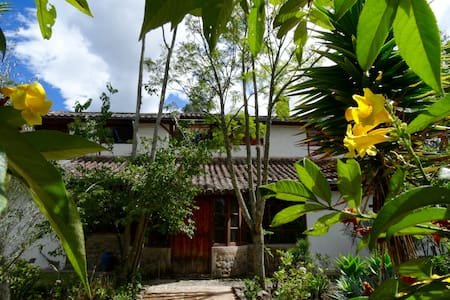Casa Cumbia-Guajira 100% independent (Shared room) - Ház