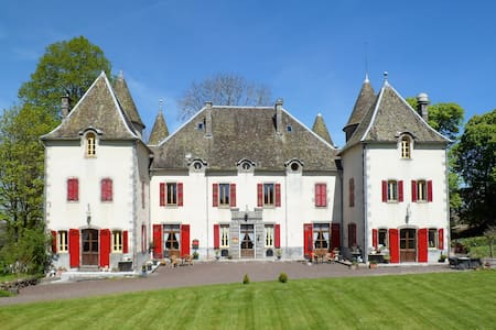 ruime 4 persoonskamer in Chateau - Bed & Breakfast