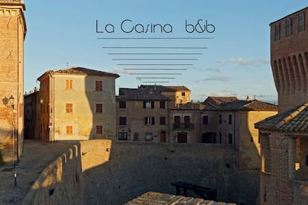 La Casina Bed and Breakfast - Mondavio