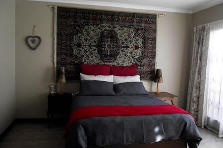 Jasmine Corner - spacious self catering unit - Apartment