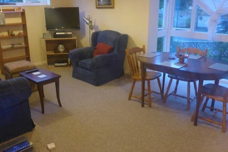 2 bed flat in Sandbanks - Apartemen