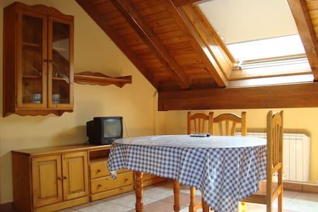 apartamento de 2 dormitorios - Castejón de Sos