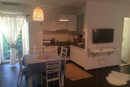 New Apartment with pool - Lägenhet