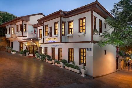 Dogan Hotel - Muratpaşa - Bed & Breakfast