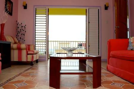Komichii Villa - Relaxing Kingston Seaside Oasis - Kingston  - Villa