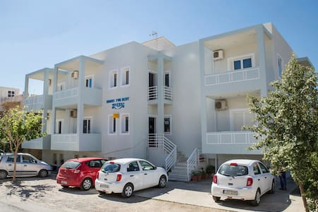 Triple Room-Free Breakfast- West Crete Attractions - Apartment