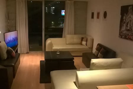 Cozy room w/ own bathr. @Unbeatable location ROMAs - México City - Apartment
