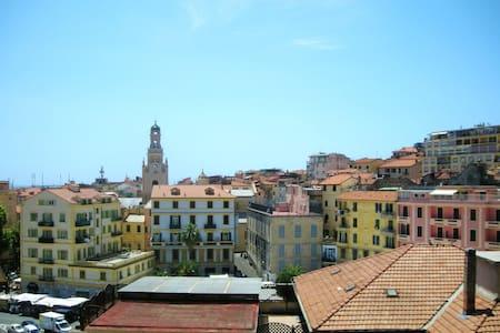 Ligurian Style Apartment City View - Sanremo - Wohnung