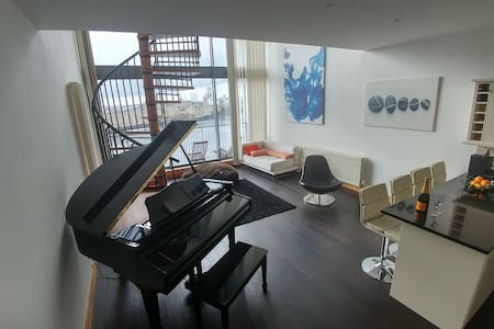 Great Double room in a Penthouse - Lejlighed