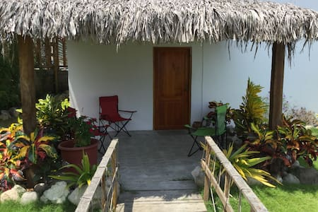 Olon beach house-Casa Valdivia:) - Ev