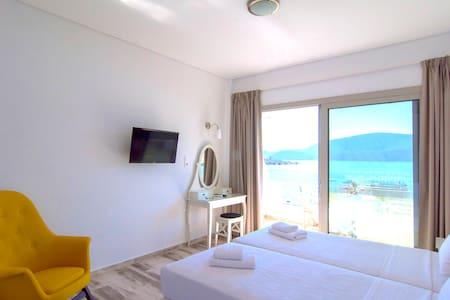 Studio for 3 persons-Belvedere Hotel Korfos - Korfos