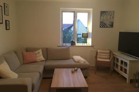 Flot lejlighed med udsigt udover havn - Apartment