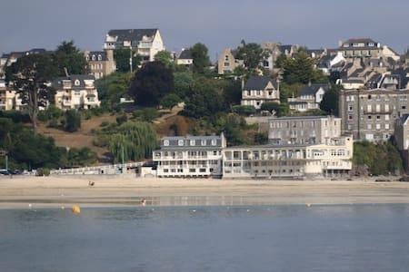Appartement sur la plage, les pieds dans l'eau - Saint-Cast-le-Guildo - Apartment