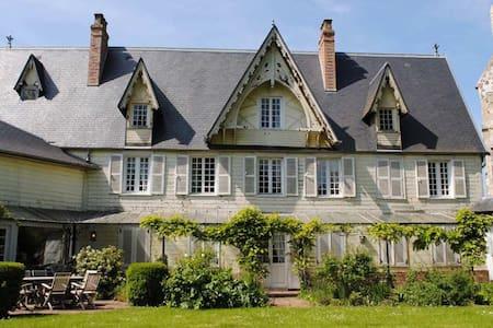 Charmante et vaste demeure XIXe siècle en Picardie - Bouvresse