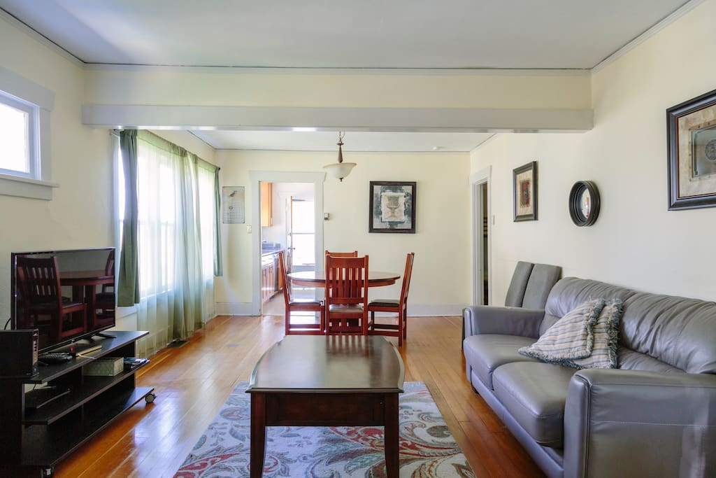 green lake charming two bedroom apartments for rent in seattle