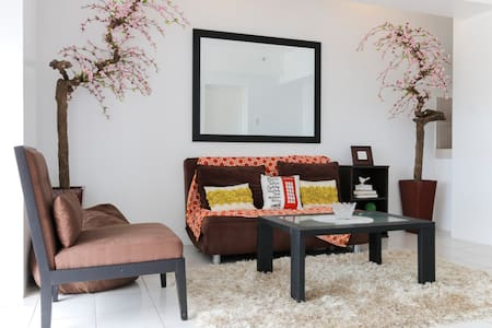 A VERY RELAXING/SPACIOUS 2BR W/WIFI - Apartment