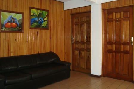 Habitación en el Centro de Ciudad Quesada. SC - Quesada