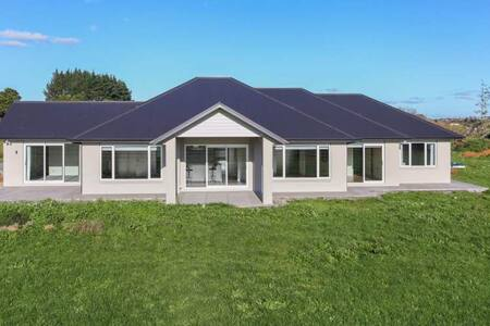 Luxurious four large bedrooms house in Pukekohe - Haus