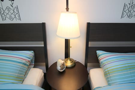 Private Spacious Studio for 4 persons #F06 - Apartment
