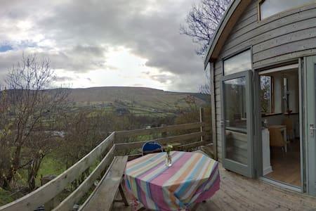Dublin Mountain Retreat - Dublin - Chalé