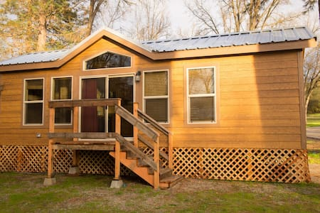 Brand New Yosemite Wood Cabin 2 - Stuga