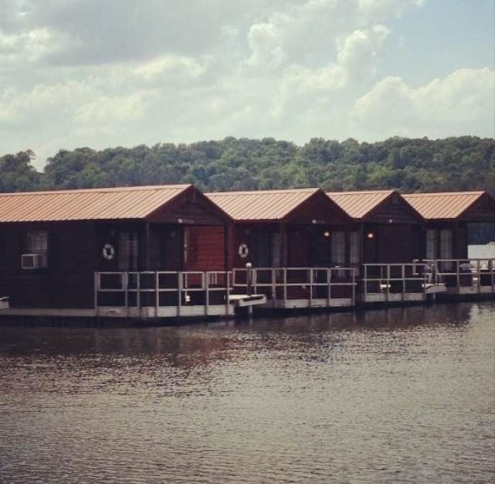 floating cabins cabins for rent in guntersville