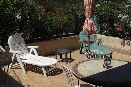 location d'été seulement - La Seyne-sur-Mer - Casa