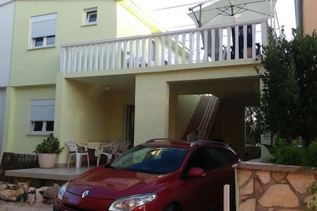 Apartment with private terrace - Vir