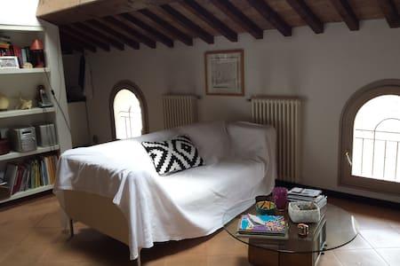 Bilocale in palazzo storico - Apartment