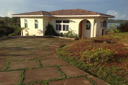 Charming and Relaxing Private Villa - David, Boca Chica