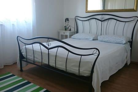 Charming apartment near town (#) - Appartamento