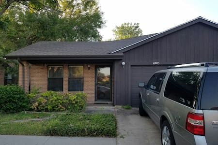 2 bedroom duplex. - Harlingen