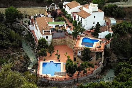 Casa rural para grupos grandes - Villa