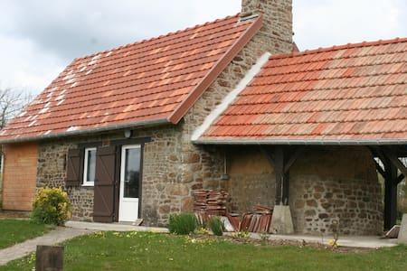 Petite maison de campagne - House