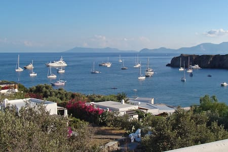 Unspoiled paradise next to the beach in Panarea - Panarea