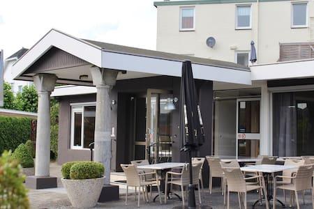 Prachtig Hotel in het Heuvelland - Schin op Geul - Bed & Breakfast
