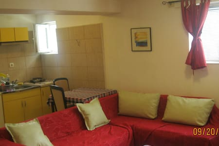TEOS STUDIOS -best and calmest part of the center - Apartment