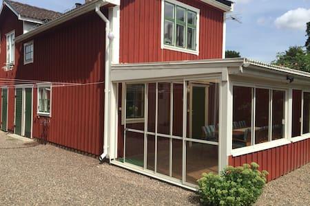 Gårdshus i charmiga Vadstena - Apartment