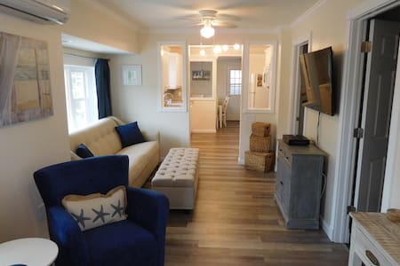 Just renovated 2 BR/1.5 BA beach cottage! - Seaside Heights
