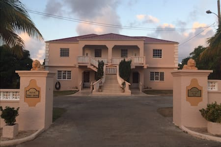 Stoney Ground Hidden Family Gem - Frederiksted - Apartment