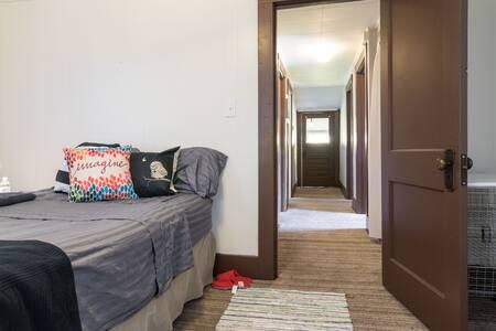 Charming Downtown Royal Oak room - Royal Oak - Διαμέρισμα