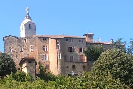 Appartement du Château avec balcon - Apartamento