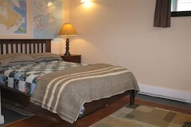 Picture of Double bed in Sydney NS, Canada