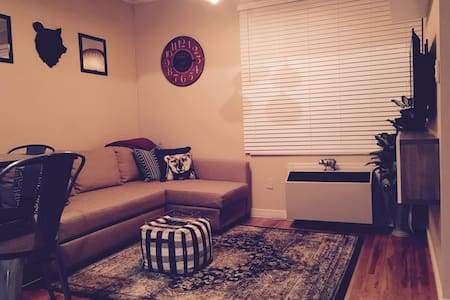 Cozy 1BR on 1st ST near PATH to NYC