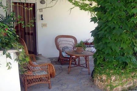 Seaside Cottage in the Pine Forest - Monti D'arena-bosco Caggione